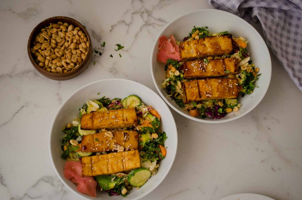Zesty Stir Fry Bowl with Sriracha Tofu